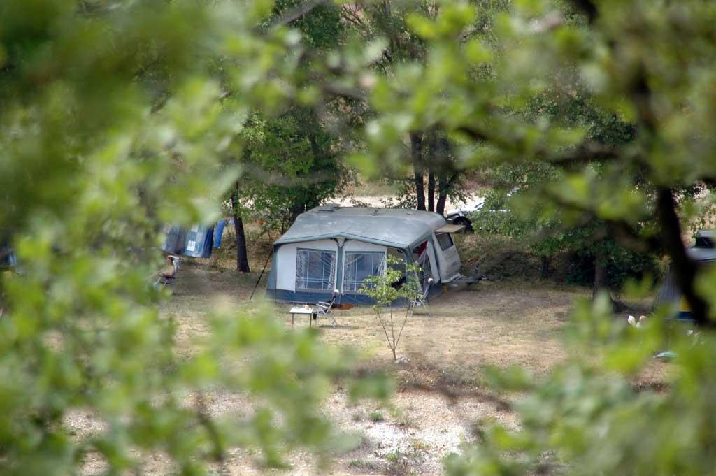 Emplacement Caravane - Domaine naturiste Petit Arlane - Valensole - Parc du Verdon